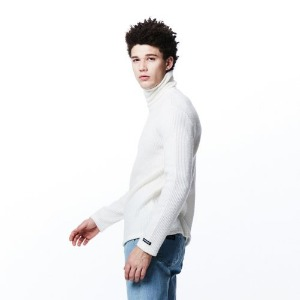 [OVERTHEONE][067] BASIC FIT NECK POLA T (IVORY)