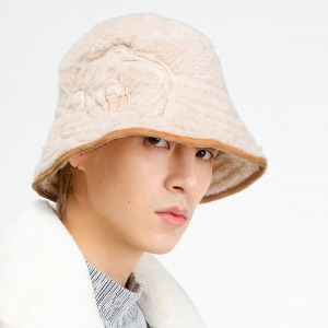 [THEGREATEST] GT19WINTER 10 Fleece Needlepoint Bucket BEIGE